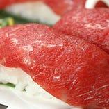 当店名物「佐賀県産牛の肉ずし」とろける食感をお楽しみください
