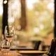 木の温もりを感じながらの食事。心休まるひとときを演出。