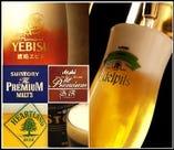 【ビール党が喜ぶ店】琥珀エビス(樽生)やエーデルピルス(樽生)など国産各社のプレミアムビール(6種類)をいろいろ楽しめます(¥630~)