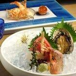旬の新鮮な魚介はお造りでご提供いたします