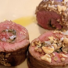ワインのお供にはお肉料理がオススメ