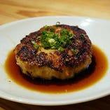餃子と餃子を味わう合間に『鶏肉団子』を挟んでみても◎