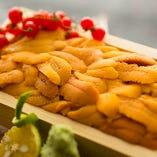鮮度の高い拘りの食材を季節により厳選して仕入れております。