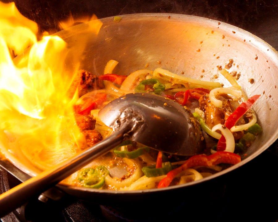 オーダーごとにフライパンで、スパイス一際香り立つカレーマサラ