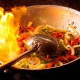 """◆ディナーのカレーは""""本物""""の味"""