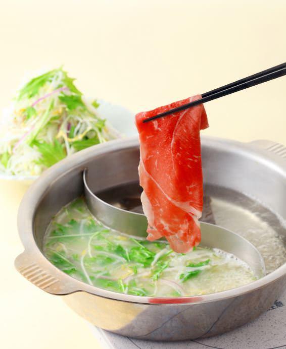 厳選仕入れの牛肉と豚肉が食べ放題で お楽しみ頂けます!!
