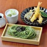 海老と旬の野菜の天ぷら茶そばせいろ