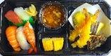 自慢の寿司と天婦羅弁当