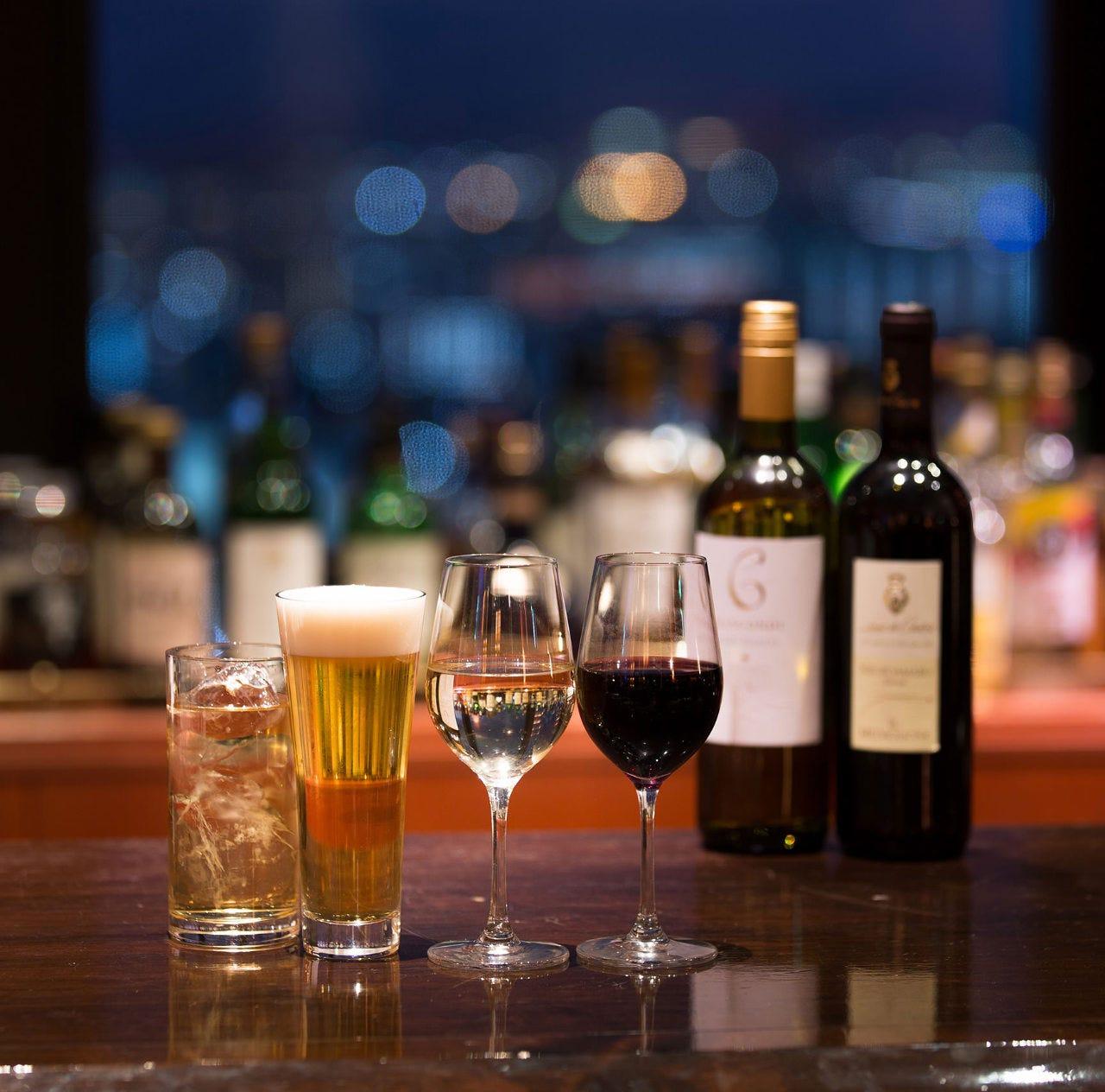 生ビールやハイボール、ワインはワンコインからご用意!