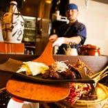 ◆本格炉端料理 長いしゃもじで出来たての料理をご提供