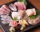 産直鮮魚のお造り盛り合わせ。