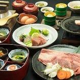 お祝い事には豪華なお食事をどうぞ。黒毛和牛を使用した陶板焼きのコースをご用意しております