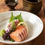 利き酒師厳選の日本酒と地場食材を生かした料理をご提供しております