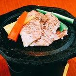 宮崎牛サーロインの溶岩焼き