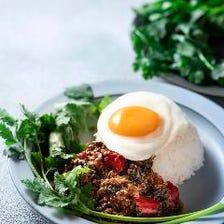 豚肉のガパオ炒めライス