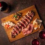こだわりのお肉がセットで楽しめる『肉盛り』は3,980円!