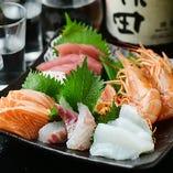 鮮度とボリュームに自信あり!店主が毎朝仕入れる鮮魚をお刺身で