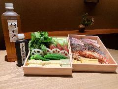 【とり貝から他のお魚をご希望の場合】他のお魚、甘鯛、車海老と初夏の野菜のお鍋