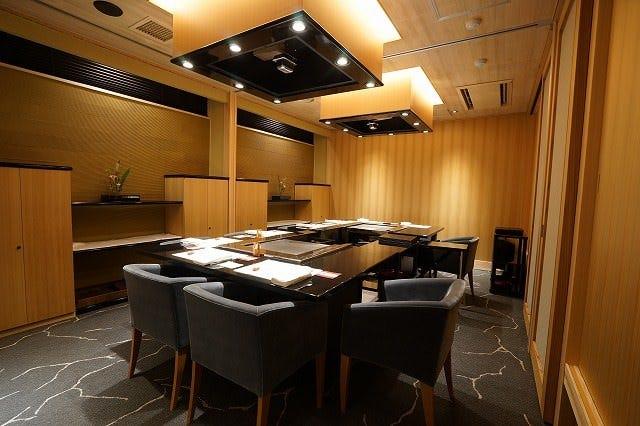 和風個室は専属調理人付の完全個室