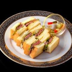 仙台牛ももステーキサンドとコンソメスープ(温or冷)/食パン