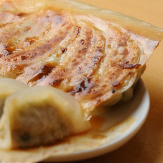 当店一番人気の宮崎県産のアベル餃子です