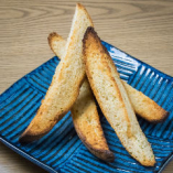 自家製パンのガーリックトースト