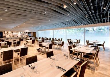 ホテルロイヤルクラシック大阪 レストラン ユラユラ 店内の画像