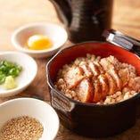 タレに漬けた鶏肉を多彩な食べ方で!『鶏の蒲焼ひつまぶし』
