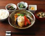 旬魚と彩り野菜の煮おろしがけ定食