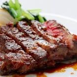 美味しいのは魚だけじゃない。和洋シェフが織りなす牛・豚・鶏、お肉メニューも自慢