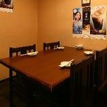 4名様×3卓・6名様×1卓/テーブル席|少人数でゆっくりお食事できる和み空間