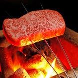 当店の肉料理は、近江牛を使用。全て最上級のA5ランクのみを厳選しております