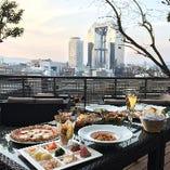 TheBAR LunchTimeにテラスでブッフェランチはいかがですか。