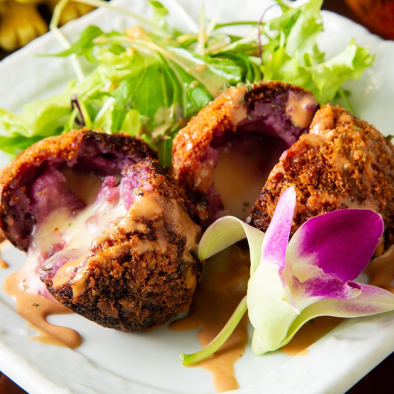 食材は毎日沖縄から空輸!沖縄料理!
