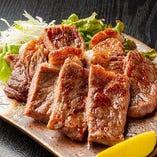 海鮮はもちろん、お肉料理もご用意しています☆
