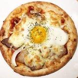 ローストポークのビスマルクピザ