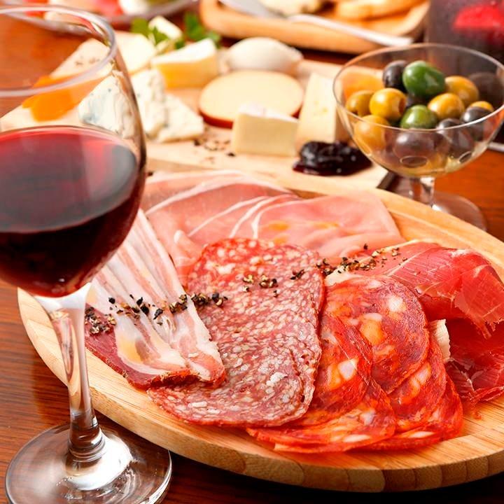 ワイン酒場だから均一ボトルワイン が豊富でとってもお得です♪