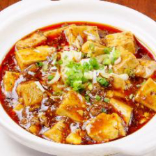 13種のスパイスを配合した麻婆豆腐