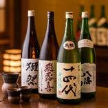 大将の出身静岡県から仕入れたこだわりの地酒や全国の銘酒がずらり。自慢のお料理とご一緒にどうぞ。