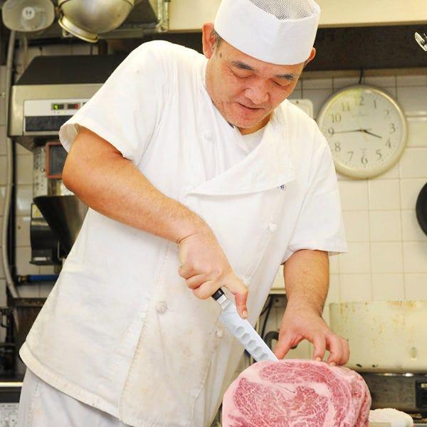 肉のプロが丁寧に下処理をして 手切でお届け致します!