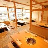 《京都駅を眺めながら宴会を!》30名様利用可・掘りごたつで足元ゆったり焼肉宴会を!