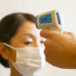 スタッフの手洗い、消毒、うがいルールを徹底。また、体温検査も毎日実施しております。