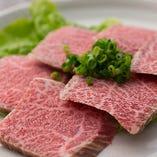 和牛特選プランではきれいにサシが入った和牛も食べ放題!