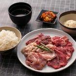 お米は兵庫県産米を使用。お肉の美味しさをさらにひき立ててくれます。