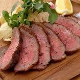 山形県産のジューシーな米沢牛のグリルは旨味たっぷり絶品です!