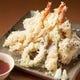 「海鮮天ぷら盛り合わせ」はサクサクっとした食感と共に♪