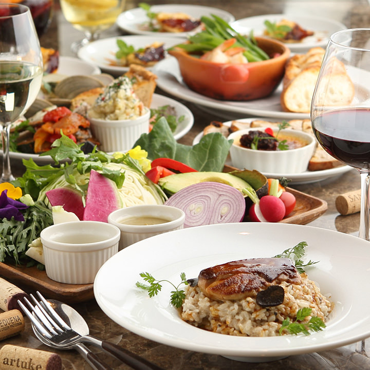 当店自慢の料理やワインを堪能できるコースは3種類ご用意