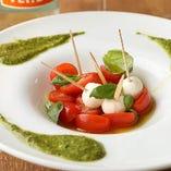 新鮮で甘みたっぷりのフルーツトマトを「カプレーゼ」でどうぞ♪