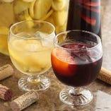 女性にも人気のフルーティーで飲みやすい「サングリア」。