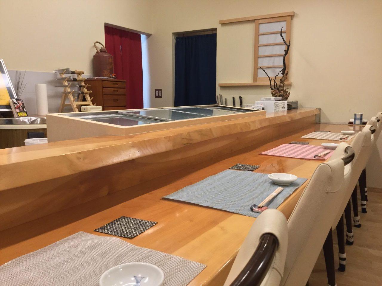 ◆臨場感溢れるカウンターでお寿司を